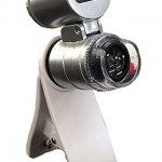 iPhoneやiPodのカメラを顕微鏡代わりに!?夏休みの自由研究にも活用できる1000円以下のスマホ用マイクロスコープ[SUMAKUROx60]はコチラで入手可能>>